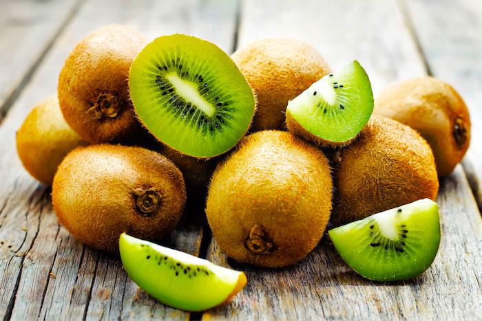 ¿Cuáles son los beneficios del kiwi?