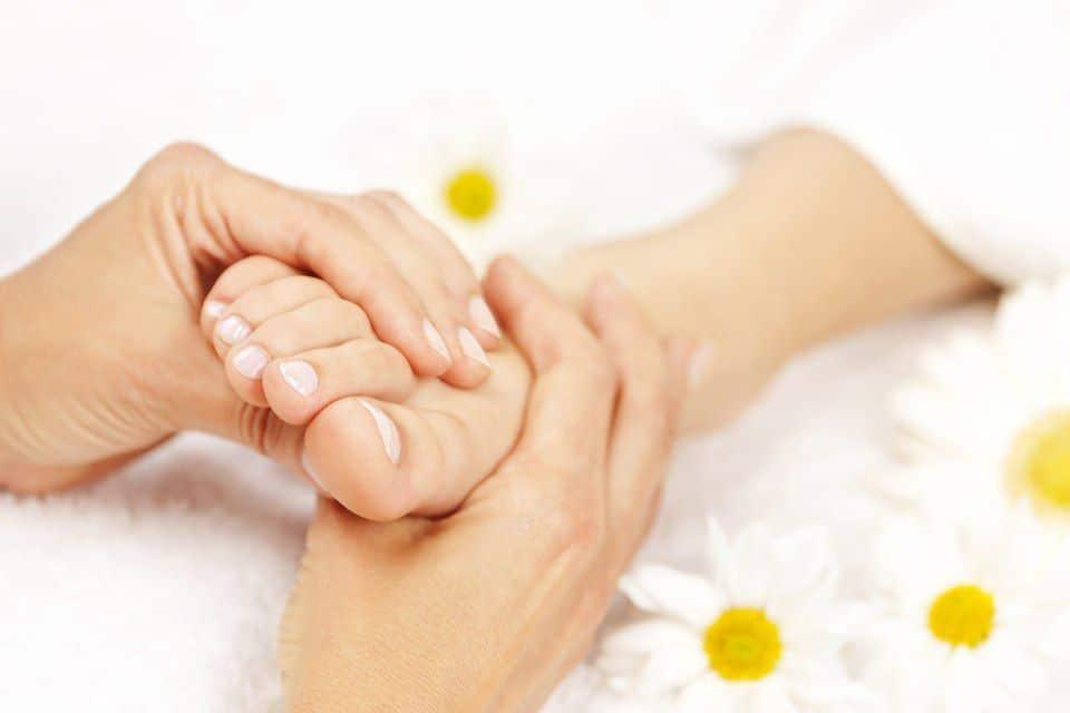 足底筋膜炎: 原因, 症状和治疗