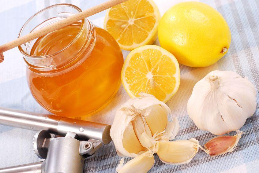 Remèdes maison pour attaquer des maux de gorge