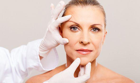 Rhytidectomy: Facelift postopek