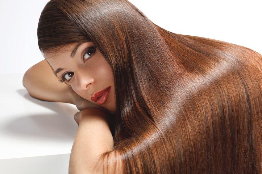 केरातिन के साथ स्ट्रेट बालों के उपचार