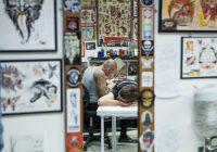 Saúde e segurança nos estúdios de tatuagem