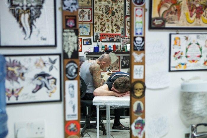 Saúde e segurança em estúdios de tatuagem