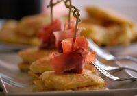 Blinis de jamón y queso
