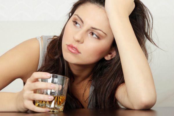 妇女和酒精中毒