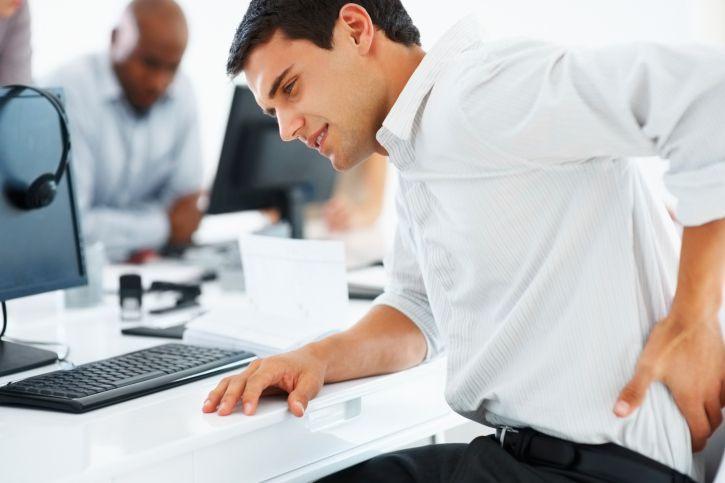 الكثير من وقت الجلوس في العمل مميت ، فهو يزيد من خطر الموت حتى عندما يمارس الناس التمارين