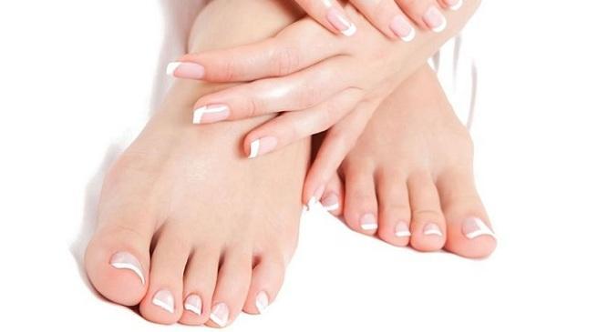 Manos y los pies fríos hablan sobre su salud