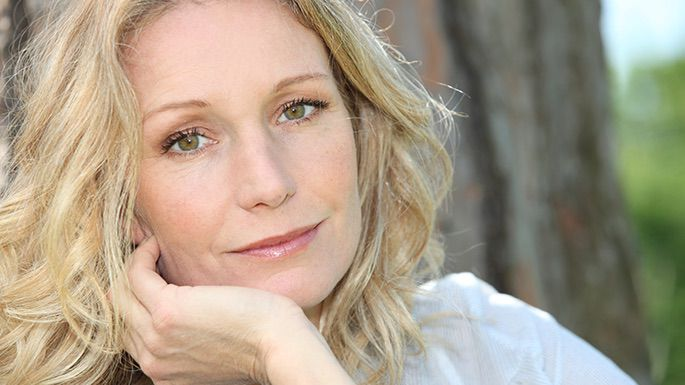 síntomas de la menopausia, alternativas naturales , terapia de reemplazo hormonal
