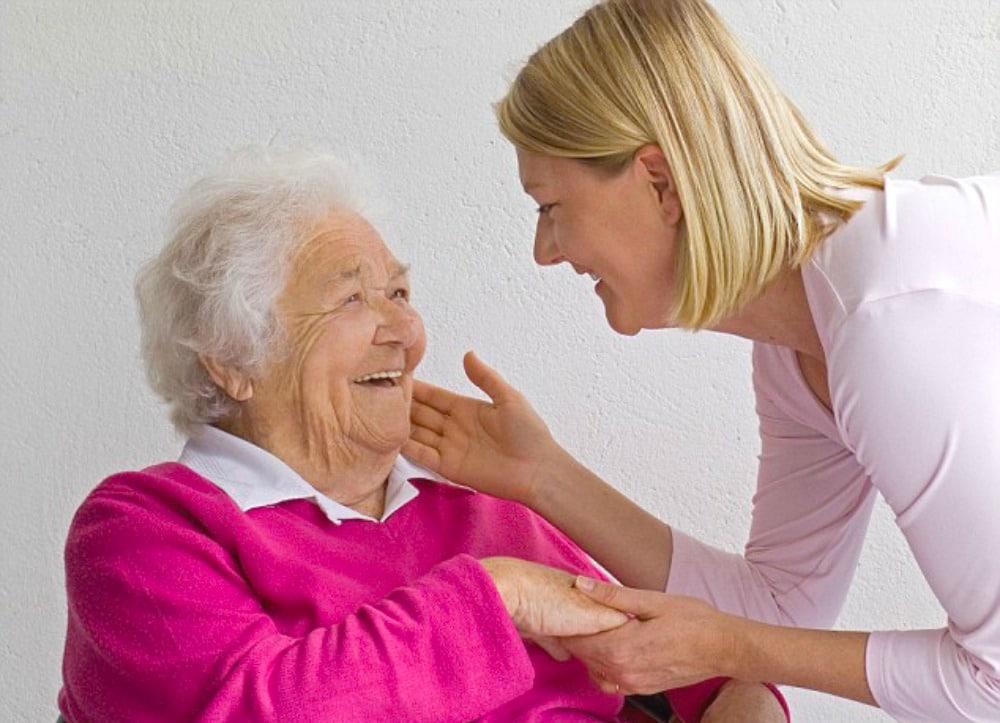 बुजुर्गों की देखभाल का काम?