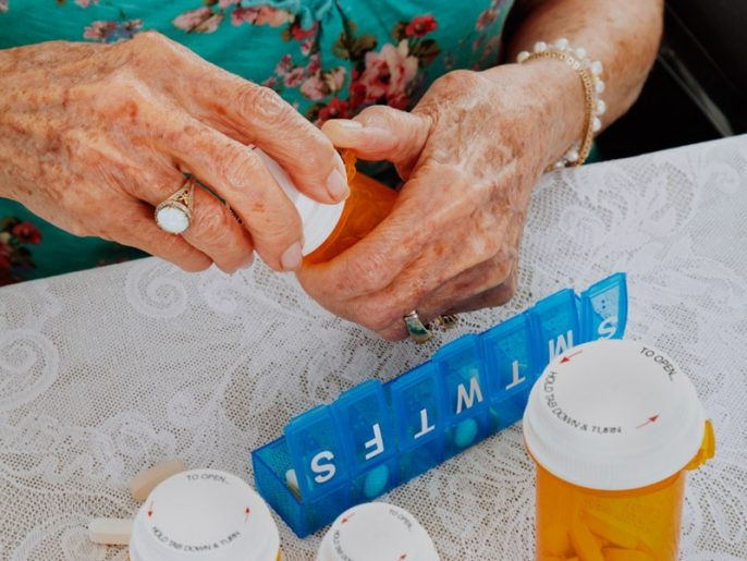 Antibióticos para las personas mayores: Interacciones medicamentosas peligrosas