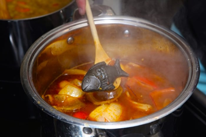 El pez de la suerte de hierro, la solución simple al problema mundial de la deficiencia de hierro que puede ayudarle a usted también