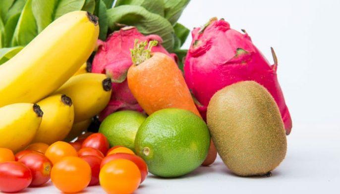 La vitamine C dans l'alimentation diminue le risque de maladie cardiaque