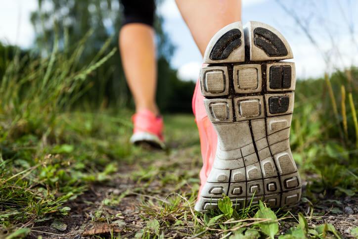 A pé oferece uma maneira fácil para entrar em forma e saudável
