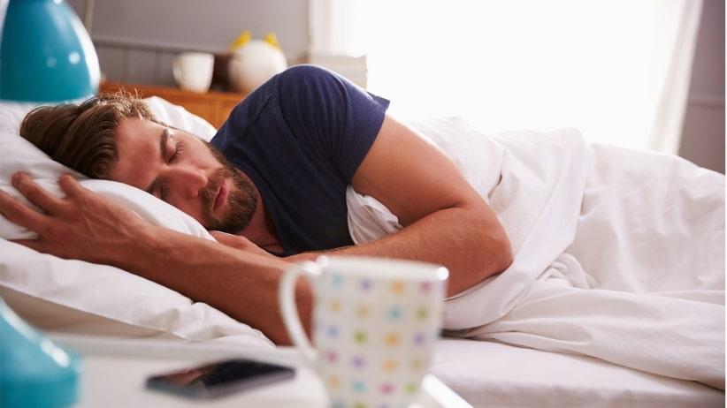 Sensation de fatigue? Adultes également besoin de temps de sommeil, et voici le pourquoi.