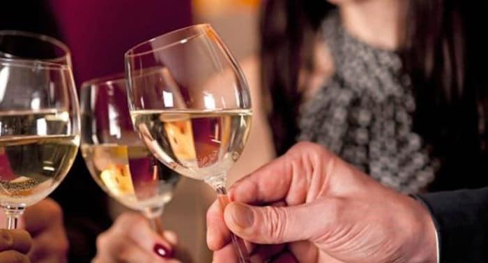 Je OK, da pitje alkohola, pri čemer antibiotikov?