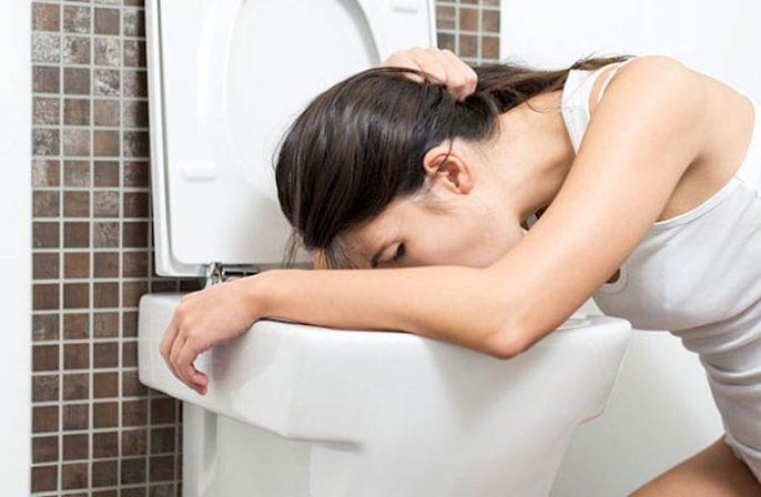 Náuseas, vómitos y otros síntomas digestivos relacionados con la actividad física