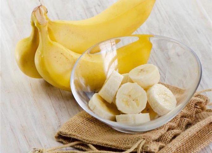 ¿Por qué algunas personas tienen dolores de estómago después de comer plátanos?