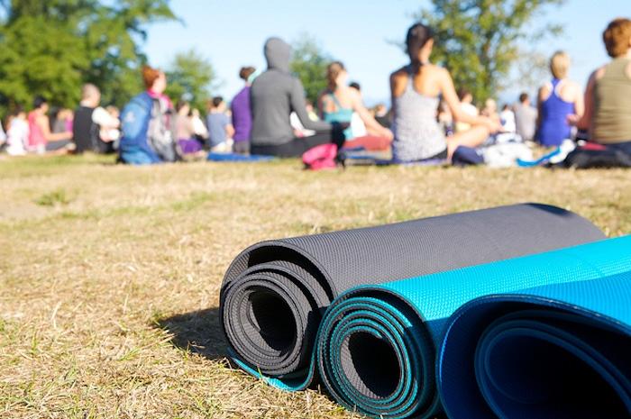 Quel yoga peut enseigner à tous ceux qui la pratiquent