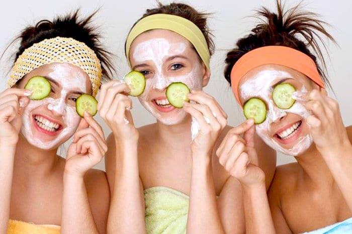 Tous les adolescents devraient être informés des soins de la peau