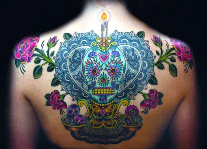 ¿Cómo la gente realmente ve a las mujeres con tatuajes (y por qué están equivocados)?