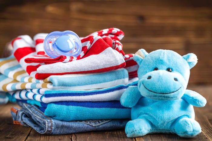 Les vêtements de bébé: Ce qui en ont besoin?