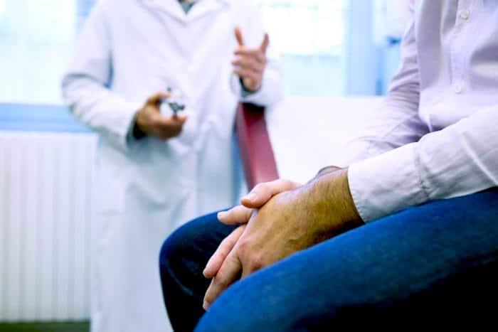 Tumor v testis: Je raka na modih ali kaj drugega?