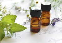¿Por qué debería tener aceite de árbol de té en su gabinete de medicina?