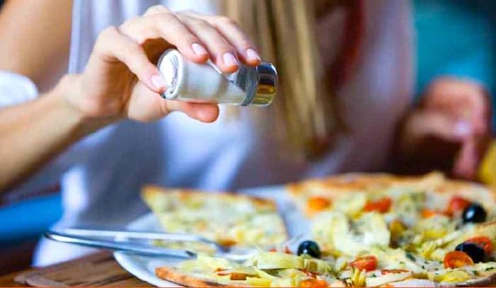 एक आहार में नमक अधिक अपने जिगर क्षतिग्रस्त कर सकते हैं