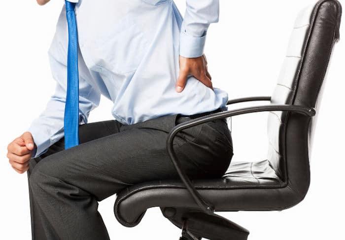 पीठ दर्द सभी उम्र के लोगों को प्रभावित करता है, शारीरिक गतिविधि की भागीदारी की परवाह किए बिना