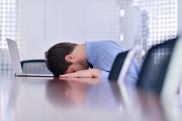 关闭您的便携式计算机: 连续使用的笔记本电脑有严重影响健康