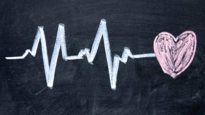 भोजन के बाद तेजी से दिल की धड़कन: कारणों और युक्तियाँ tachycardia में सुधार करने के लिए