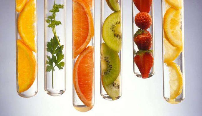 La vitamine C peut aider à réduire le risque de cataracte