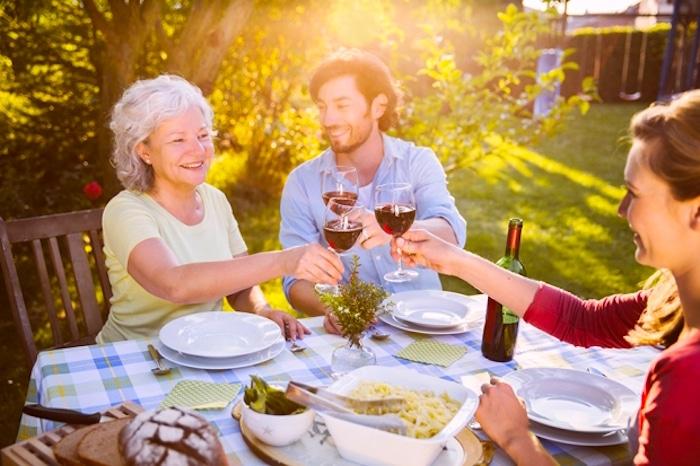 ¿Por qué llevarse bien con su suegra es tan delicado?