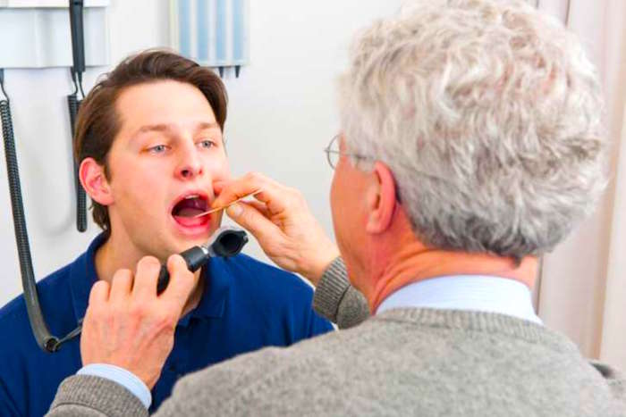 喉炎和治疗的症状