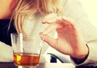 Relación entre el consumo excesivo de alcohol y los trastornos mentales