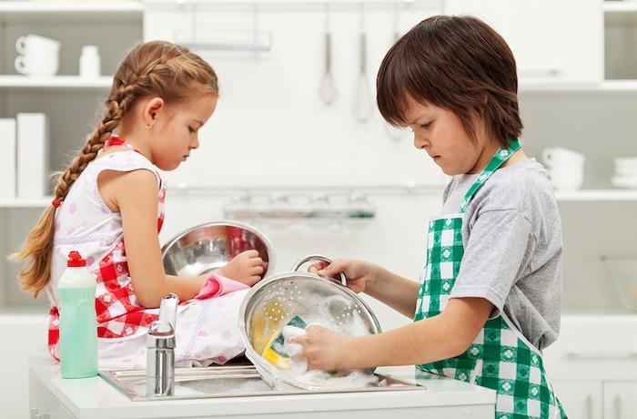 Como fazer com que seus filhos realizem as tarefas