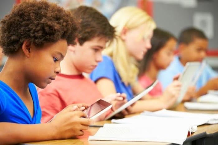 为什么我们的谈话都具有儿童和教是邪恶的?