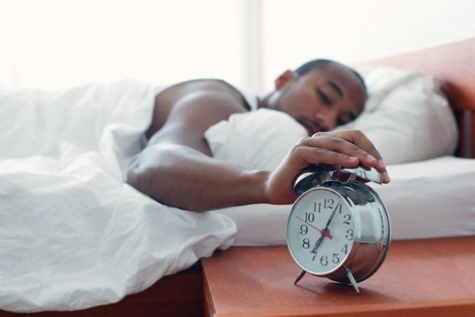 Wie man einen angemessenen Schlafplan einhält, wenn man ein beschäftigter Erwachsener ist