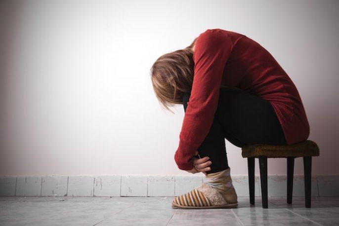 ¿Quién debe considerar voluntariamente entrar en un programa de tratamiento para pacientes hospitalizados por depresión?