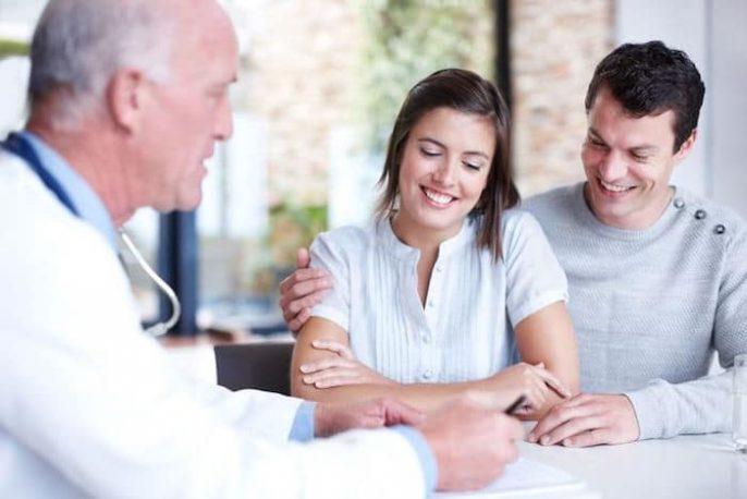 ¿Cuándo se debe buscar ayuda para la infertilidad, y qué tipo de médico debe elegir?