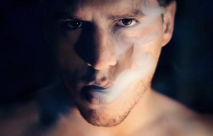السجائر الإلكترونية: منقذ الإقلاع عن التدخين ، أم ذئب يرتدي ملابس الأغنام؟