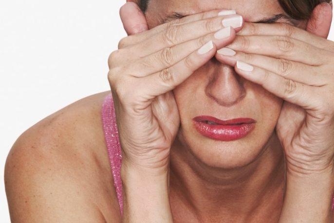 Presión sinusal persistente, cansancio y ojos hinchados