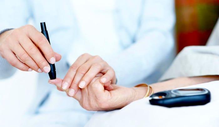 你真的糖尿病患者的需要测试它们的血糖水平的五倍的一天?