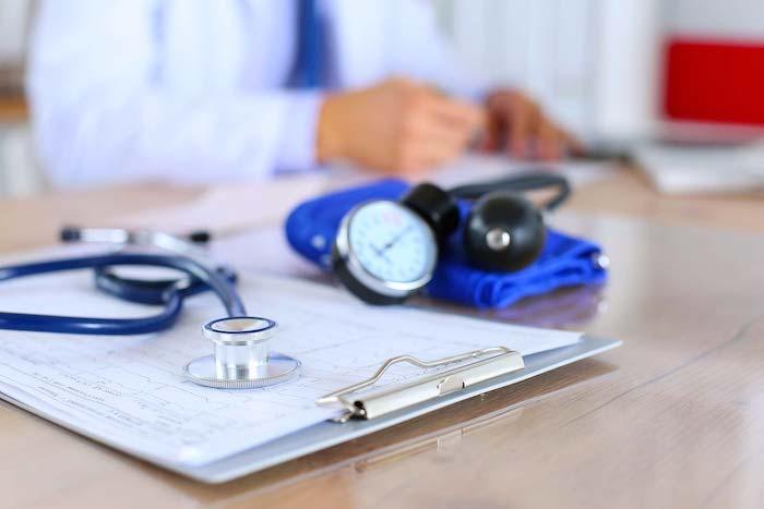 अपने आदर्श चिकित्सक कौन है?