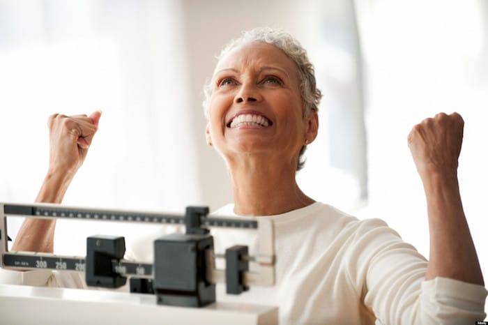 वजन में कमी लंबे समय तक: कैसे अपना वजन कम करने और इसे रखने के लिए