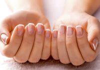 Cómo remediar las uñas amarillas y manchadas en casa
