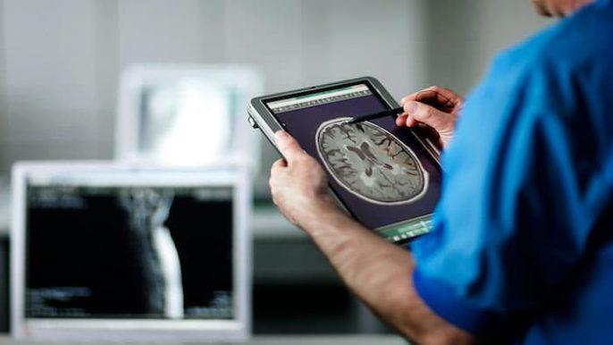 神经科医生的每日安排
