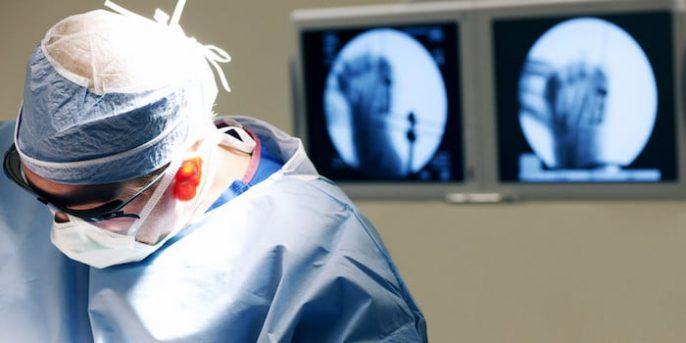看一下整形外科医生的日程安排