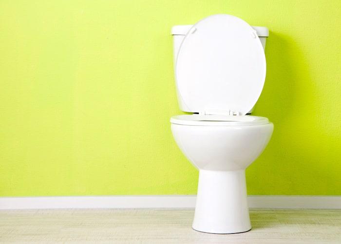 L'Urine orange: quel est l'effet bénigne de médicaments, ou un signe de maladie grave?