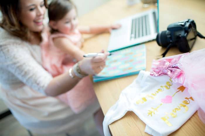 Estadia em casa Vs. creche e o bem-estar infantil: um traço não definitivo